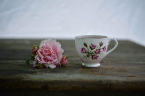 гадание на лепестках роз на чувства